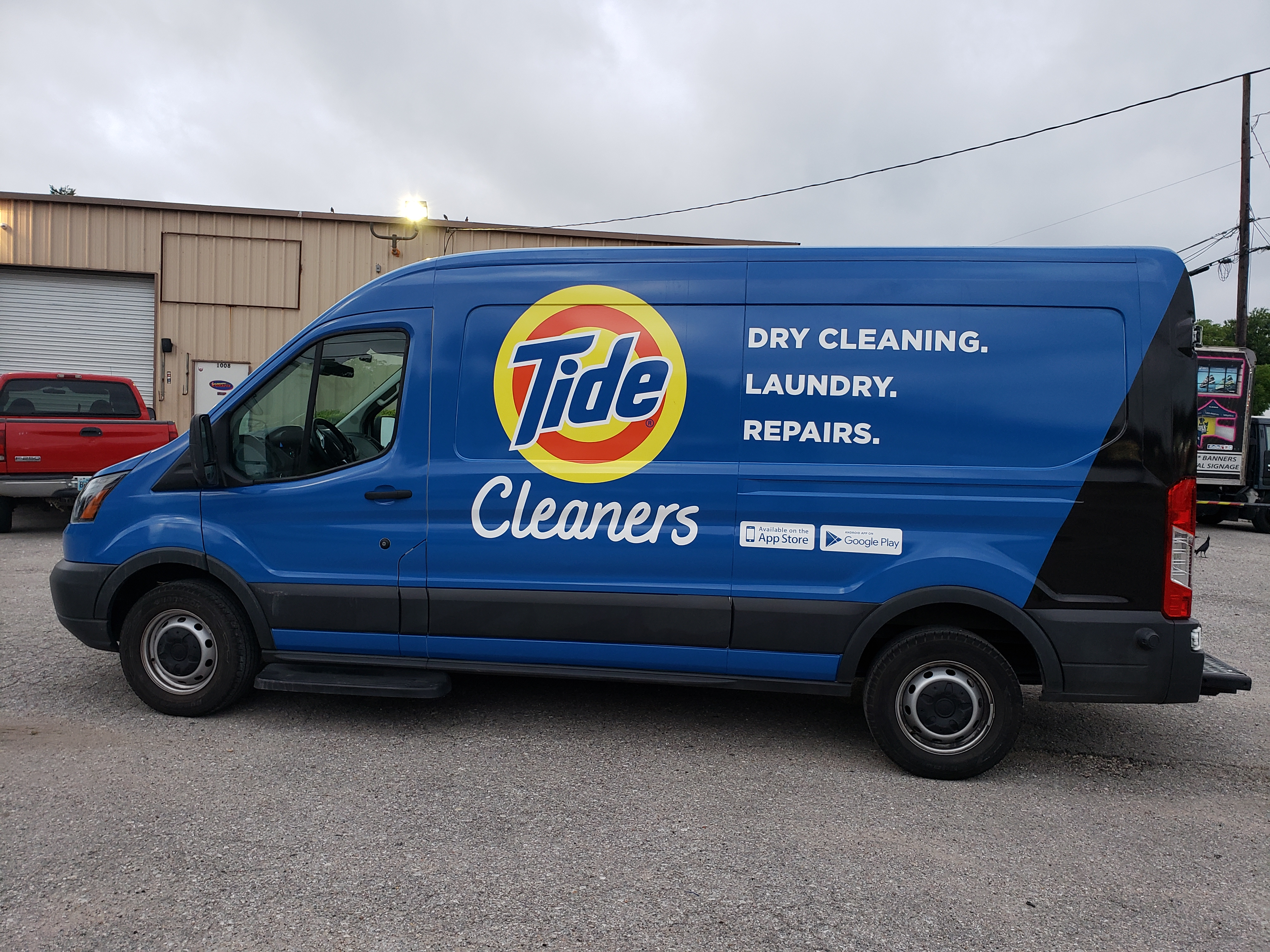 Graphic Installation Team tide-vehicle-wrap